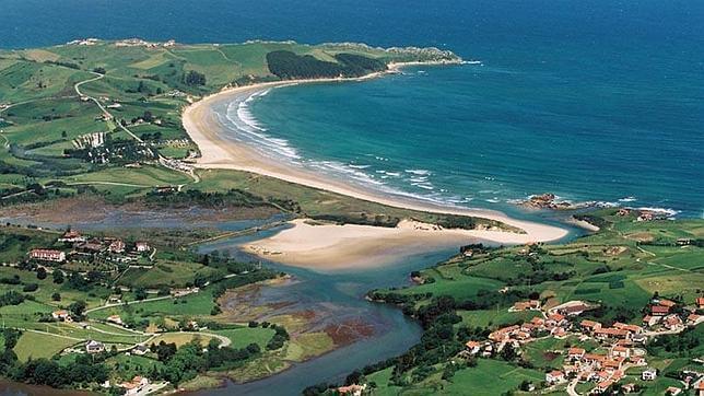Playa de Oyambre