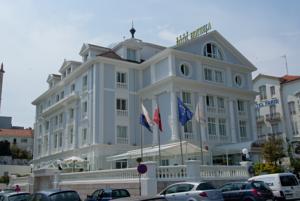 Hotel Hoyuela - Santander