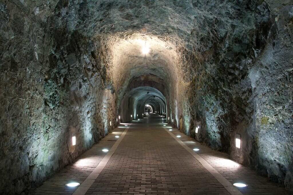 El Tunel de la Atalaya (Playa Soledad)